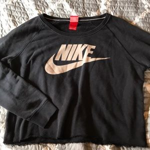 Cropped Nike Sweatshirt